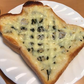 しらす チーズ トースト