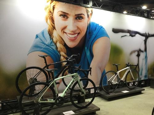 TREK女子専用設計ロードバイク