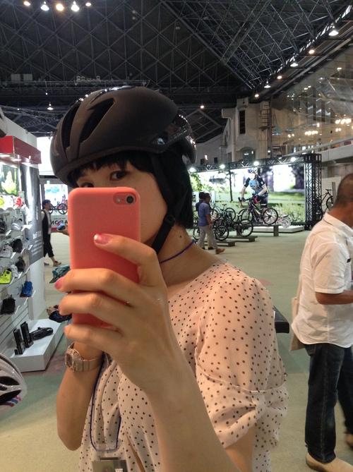 ボントレガーバリスタ ヘルメットかぶってみた