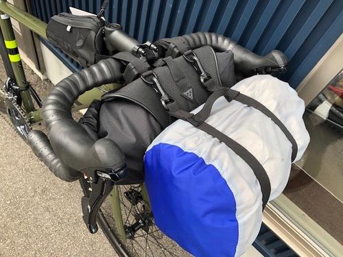 キャンプへGO!自転車用大型バッグ各種あります♪