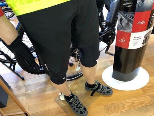 10月の自転車ウェアはこんな感じでどうでしょう♪