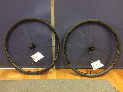 Bontrager Aeolus Pro 3 TLR Clincher 前後セット