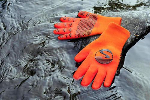 自転車だけじゃ勿体ない! 「防水」手袋&靴下
