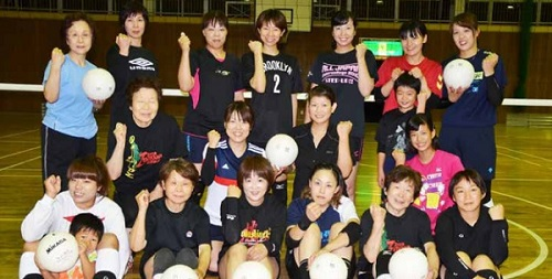 上田のママさんバレーチーム「小...